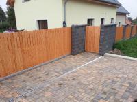 Betonové tvarovky jako součást oplocení