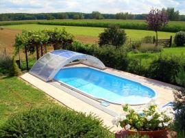 Laminátový bazén se zastřešením