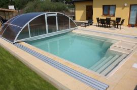 Bazén Balaton se zastřešením