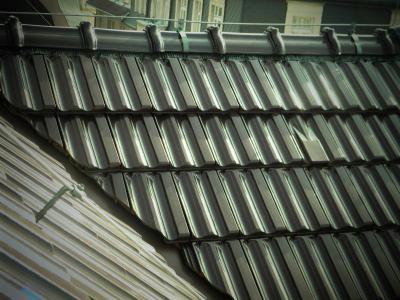 Betonové tašky s glazovaným povrchem