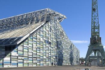 Ocelové opláštění finského Muzea Maritime centre Vellamo.