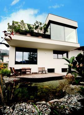 Novostavba rodinného domu postaveného z tvárnic Ytong