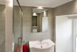 Infrapanel Wellina 600 W na stěně, zrcadlo bezrámové, krytí IP 65