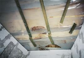 Chyby izolace stropu