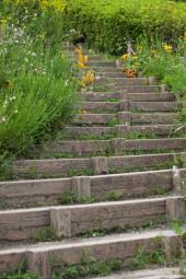 Jednoduché dřevěné schodiště