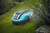Pracuje také za deště! GARDENA robotické sekačce na trávu nevadí ani letní počasí. Byla vyvinuta tak, aby sloužila po celý den a aby fungovala správně bez dozoru a bez ohledu na povětrnostní podmínky.