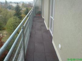 Balkón z rýhovaných desek