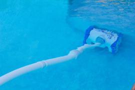 Bazénový vysavač
