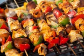 Špízy - vhodná kombinace masa a zeleniny