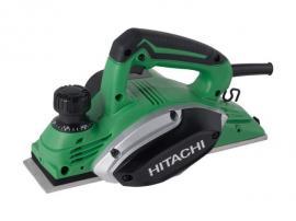 Hitachi P20SF je při hoblovací šířce 82 mm velmi a jednoduchém nastavení oblíbeným produktem ve svém segmentu