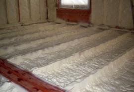 Stříkaná izolace podlahy