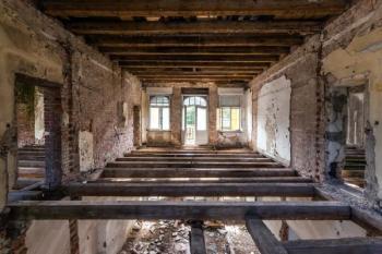 Staré dřevěné stropní trámy