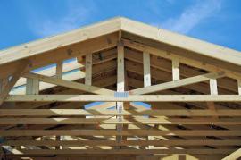 Střešní konstrukce z příhradových vazníků