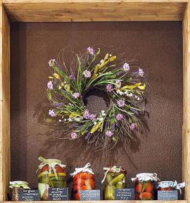 Ozdobný věnec ze sušených květin