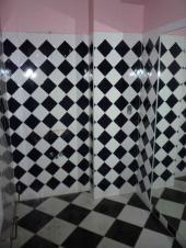V koupelně nezbylo kromě vany nic
