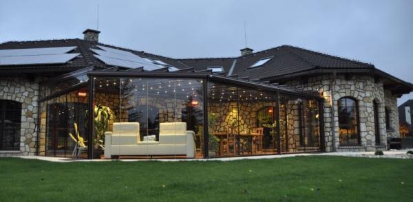 Luxusní prosklená terasa Glasoase s osvětlením