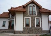 Obklad domu z raženého kamene R-Lay