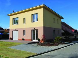 Vzorový pasivní dům HELUZ Triumf z cihel HELUZ Family 50 2in1 v Českých Budějovicích