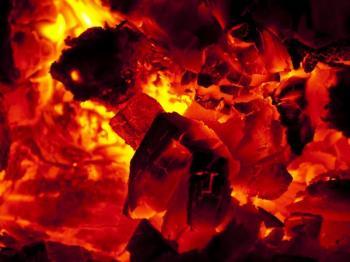 Obzvláště z palivového dřeva zbude spousta popela, tak proč jej nevyužít?