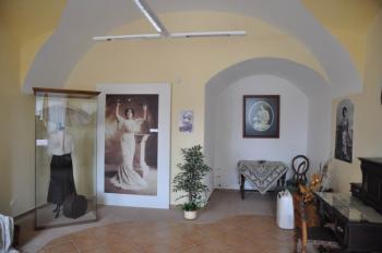 Měřící místo M 2 – střední zeď vpřízemí zámku Stráž nad Nežárkou