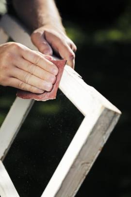 Broušení okenního křídla