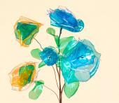Květina z kousků PET