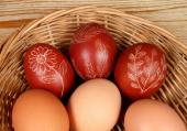 Zdobení vajíček škrábáním do barvy