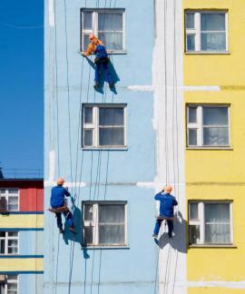 Nátěr (nástřik) fasády fasádní barvou