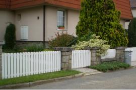 Plastová plotová pole - O bílá 80-100x168-188 cm