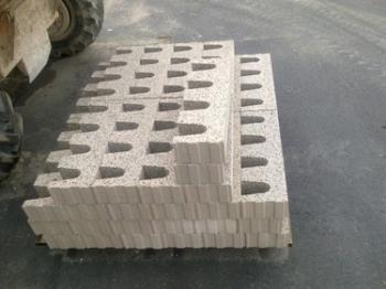Speciální zakládací bloky Kalksandstein KS-Kimmsteine vyrábí Zapf Daigfuss.