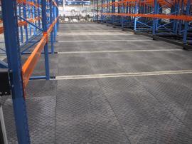 Podlahové desky z recyklovaného PVC