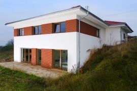 Pasivní dům ve svahu, Mělník
