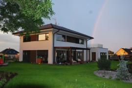 Pasivní dům s valbou, Šestajovice