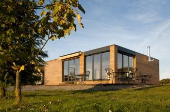 Upravte modulární stavbu podle svého! Překážkou nejsou ani velká okna, schodiště nebo klasická fasáda.