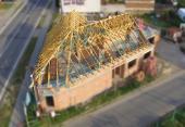 Podkrovní střecha z vazníků