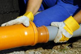 Opravy odpadů a kanalizace