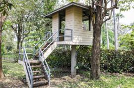 Dětský domek ve stromě