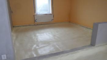 Podlaha izolovaná polyuretanovou pěnou