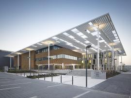 Oceněná stavba roku 2016 - Mezinárodní výzkumné centrum ELI v Dolních Břežanech