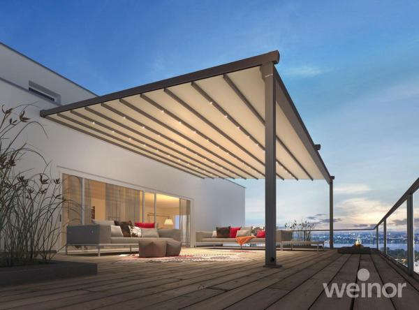 LED osvětlení ve střešních příčkách poskytuje dokonalé večerní osvětlení
