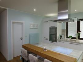 Bungalov v Zelené Hoře - kuchyň s GR panelem