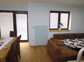 Bungalov v Zelené Hoře - obývací pokoj s GR panelem