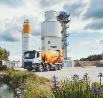 Věžová betonárna a domíchávač betonu (mix) v Brně