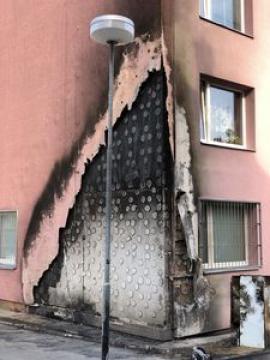 ETICS lepený na buchty po požáru, foto: TZB-info