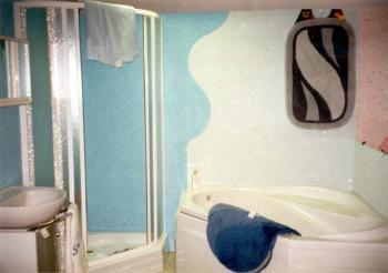 Textilní omítka v koupelně