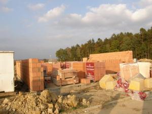 Foto: www.ČESKÉSTAVBY.cz, zahájená výstavba rodinného domu