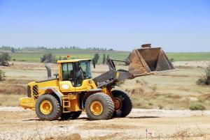 Ilustrační foto (www.shutterstock.com), terénní úpravy pozemku
