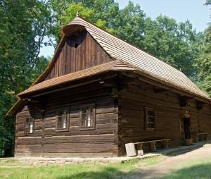 Ilustrační foto (www.shutterstock.com), historická roubenka